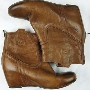 Frye carson wedge boots 7.5 cognac 3470656